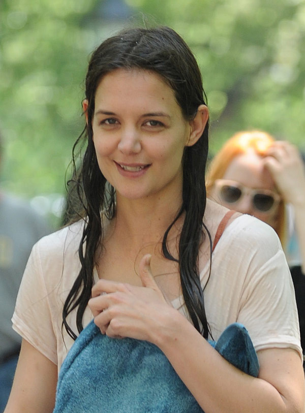 katie holmes without makeup in public