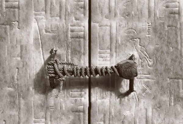 ancient seal of King Tutankhamun's fifth shrine